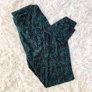 Lularoe Green and Black Swirl Leggings
